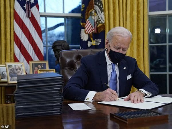 Biden Reverses US Travel Restriction On Nigeria, Others