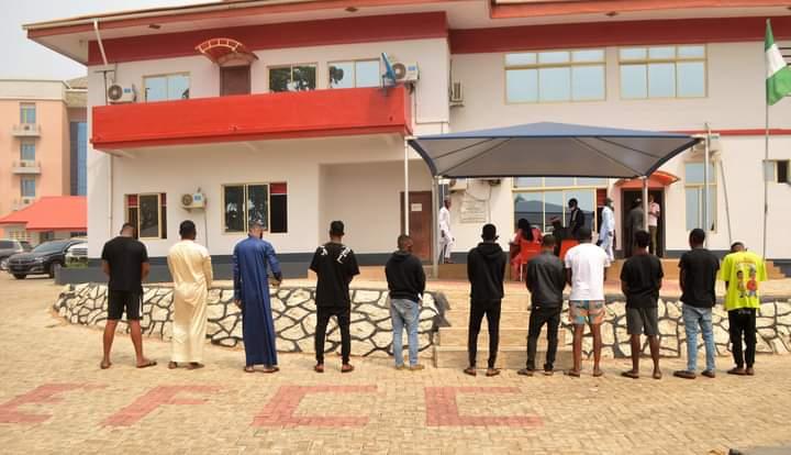 EFCC Arrests 11 Suspected Internet Fraudsters In Osogbo