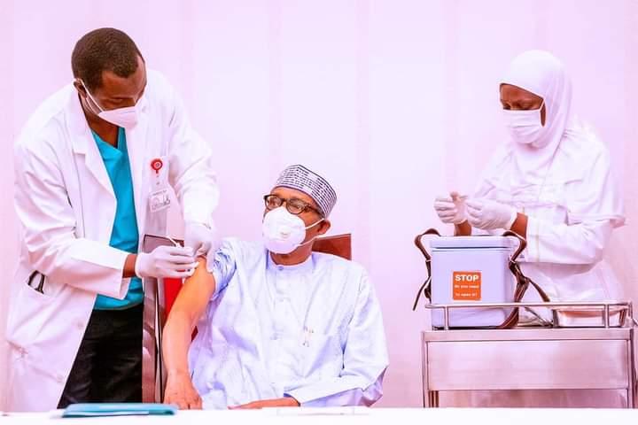 Buhari, Osinbajo Receives COVID-19 Vaccines