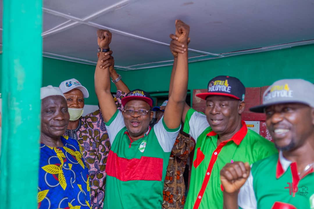 Oyo Commissioner For Lands Officially Joins PDP
